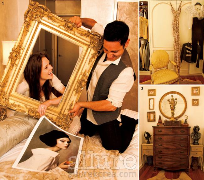 1. 사진가 스티븐 마이젤이 결혼 선물로 보낸 사진을 액자에 넣는 코코. 2. 붙박이장, 옷 이외에 액세서리와 슈즈를 넣어두는 서랍, 그리고 메이크업 제품을 정리해두는 벽장도 주문했다. 3. 제임스가 가져온 골동품이 늘어선 코너