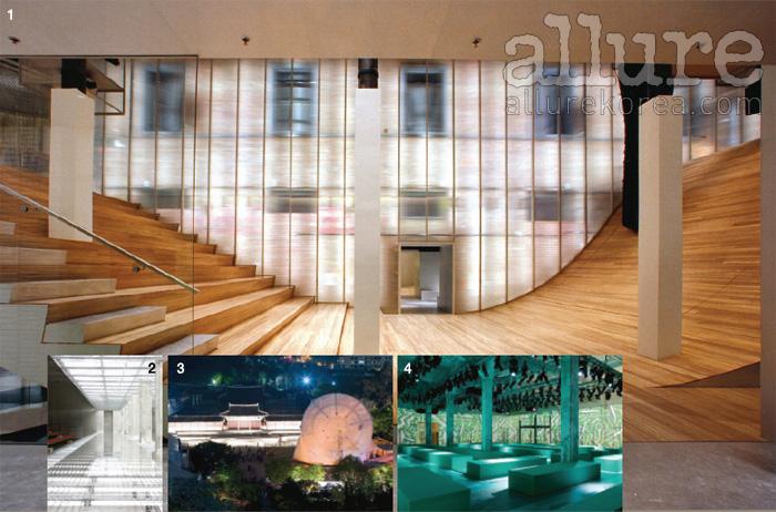 1 첫 번째 협업이었던 뉴욕 소호의 프라다 에피센터. 2 애시드 컬러의 줄무늬 의상을 더욱 돋보이게 했던 2011 봄/여름 프라다의 캣워크. 3 회전하는 4면체 철제 구조물로 만든 예술 공간을 선보였던 프라다 트랜스포머-서울 프로젝트. 4 아르데코풍의 기하학적인 프린트 의상과 조화를 이뤘던 2008 봄/여름 프라다의 캣워크.