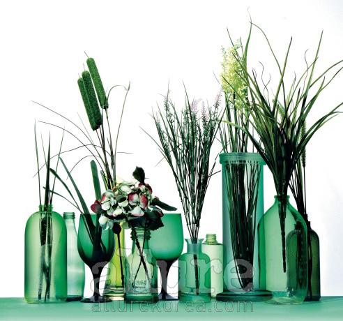 웰코스, 이니스프리, 아베다 등 유기농 화장품의 공병을 꽃병으로 재활용했다.