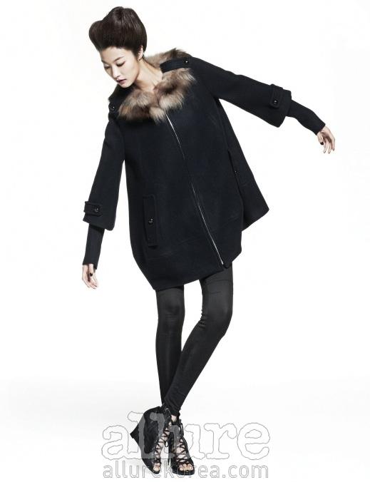 모델 | 박지혜, 헤어 | 조영재, 메이크업 | 배혜랑, 어시스턴트 | 정이나