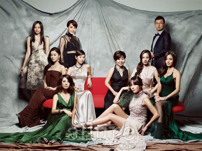 (왼쪽부터) 조윤희의 목걸이와 드레스는 미스지콜렉션(Miss Gee Collection). 오현경의 드레스는 펜디(Fendi), 귀고리는 케이트 아이린(Kate Irene). 한혜린의 귀고리는 블랙뮤즈(Black Muse), 목걸이는 제이티아라(Jtiara), 드레스는 도나카란(Donna Karan), 슈즈는 보테가 베네타. 김지영의 목걸이는 블랙뮤즈, 드레스는 미스지콜렉션, 붉은색 반지는 케이트앤켈리(Katenkelly), 파란색 반지는 스와로브스키(Swarovski). 김지호의 드레스는 랄프 로렌 컬렉션(Ralph Lauren Collection), 팔찌는 블랙뮤즈. 김정은의 드레스는 이상봉, 모피 스톨은 프론트로우(Frontrow), 목걸이와 실버 반지는 제이티아라, 크리스털 반지는 스와로브스키, 슈즈는 지니킴. 김청경의 목걸이는 제이티아라, 드레스는 본인 소장품. 김보민의 귀고리는 아가타(Agatha), 목걸이는 프란시스 케이, 드레스는 디체 카엑 바이 디누에(Dice Kayek by Dnue). 반지는 프란시스 케이. 고나은의 머리띠는 제이티아라, 드레스는 강희숙(Kang Hee Sook), 팔찌는 블랙뮤즈. 김호진의 보타이는 클리포드(Clifford), 재킷은 지오지아(Ziozia), 셔츠는 에르메네질도 제냐(Ermenegildo Zegna).