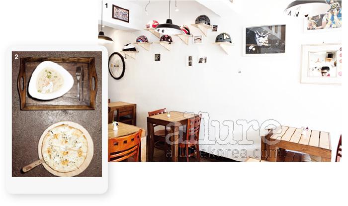 1. 자전거 마니아인 서찬우 대표의 취향이 드러나는 벨로마노의 벽 2. 천사국수와 고르곤졸라 신 피자