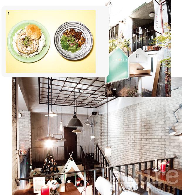 1. 인기만점 식사메뉴인 파네파스타와 스테이크덮밥 2. 지하와 지상 1층의 분위기가 다른 것이 카페마실의 특징 3. 카페마실의 마스코트를 재현한 입구의 표지