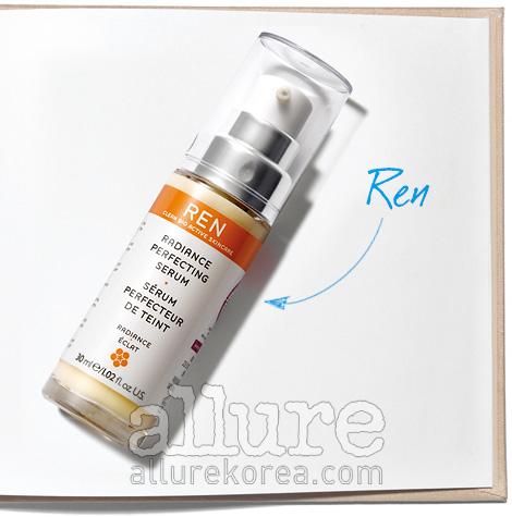 렌의 래디언스 화이트닝 세럼. 자극받은 피부에 에너지를 부여해 피부 톤을 화사하게 한다. 30ml 9만2천원(9월 출시예정).