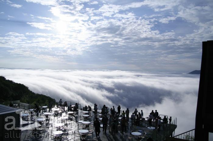 구름이 바다처럼 펼쳐지는 운카이 테라스