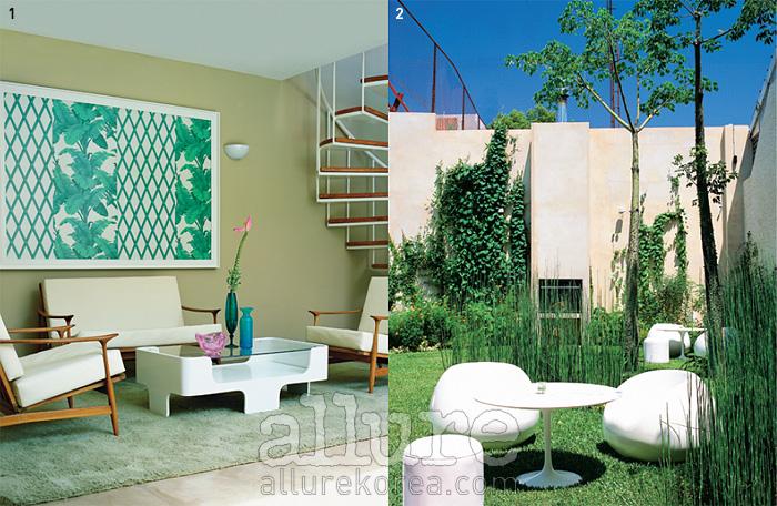 1 빈티지 가구와 조화를 이루는 모던한 실내2 푸른 잔디와 나무, 흰색 테이블이 어우러진 정원