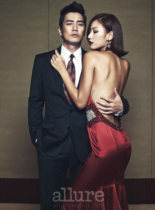 주상욱이 입은 슈트는 돌체앤가바나(Dolce&Gabbana). 타이는 제이미앤벨(Jamie&Bell). 모델이 입은 드레스는 케이수바이 김연주(KayeSu by KimYeonJu). 귀고리는 스와로브스키(Swarovski).