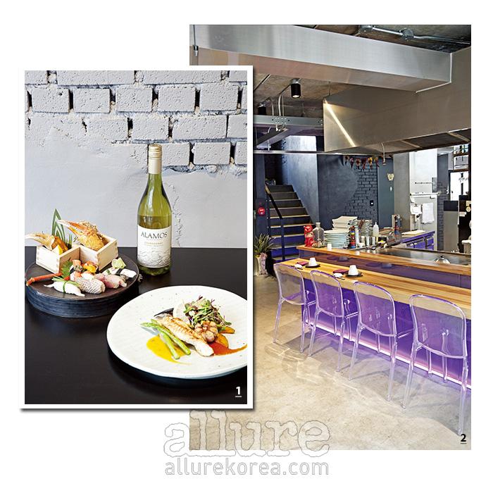 1 계절 초밥세트와 복어테판야키, 그리고 아르헨티나 와인인 알라모스 샤도네이. 2 스시바와 철판구이 코너가 마련되어 있다.