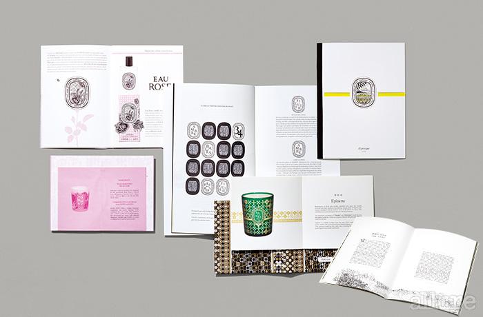 딥티크의 제품에 사용된 패턴을 보고 벽지나 쿠션 등에 활용해도 참 예쁘겠다고 생각했다면, 제대로 본 거다. 디자인과 홈 데커레이션을 전공한 친구들이 모여 만든 회사니까. 그들의 디자인에 대한 관심과 열정은 브로슈어에도 그대로 묻어난다.