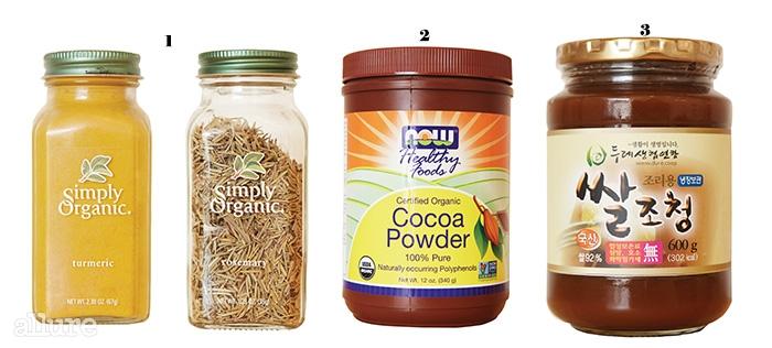 1 심플리오가닉의 로즈메리와 강황  다양한 향신료를 만드는 미국의 브랜드 심플리오가닉의 제품. 아이허브닷컴에서 구입할 수 있다. 2 나우푸드의 코코아파우더  1968년 설립 이후 훌륭한 품질관리 시스템을 인정받은 나우푸드의 코코아파우더. 100% 유기농으로 아이허브 및 인터넷몰에서 판매한다. 3 우리두레생협의 쌀조청  우리 쌀로 만든 쌀조청으로 합성첨가제나 설탕 없이 국산엿기름만으로 단맛을 냈다. 합성첨가물이 없기 때문에 개봉 후 냉장 보관은 필수다.