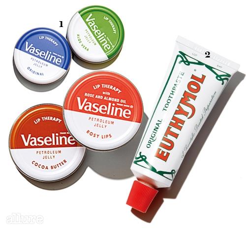 1 바셀린의 립 테라피 오리지날 & 코코아 버터 & 알로에 베라 & 로지 립스. 색과 향이 다양하고 가격이 저렴해 친구들 선물로 많이 사오는 제품 중 하나다. 각각 20g 1.99파운드. 2 유시몰의 오리지널 치약. 이보다 더 개운한 치약은 없다. 75ml 2파운드.