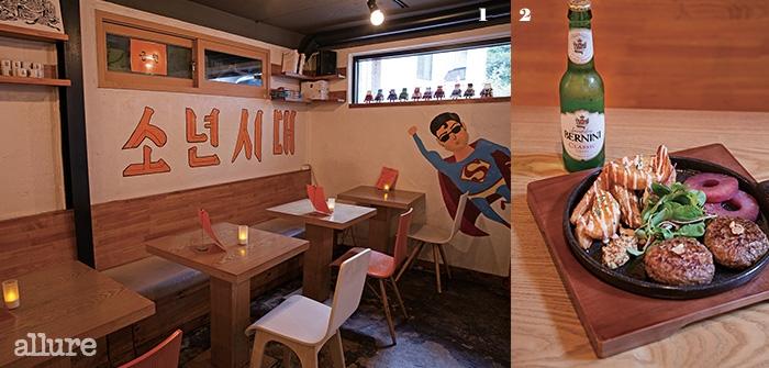 1 단골 손님이 직접 그린 그림을 곳곳에서 만날 수 있다. 2 소년상회의 인기 메뉴인 떡갈비와 버니니.