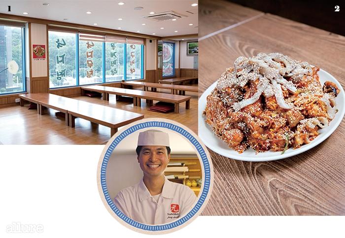 11, 2층으로널찍하게 꾸민 식당.2쫄깃한 껍질과 부드러운속살로 은평구 최고의요리로 인기를 얻고있는 아구찜.