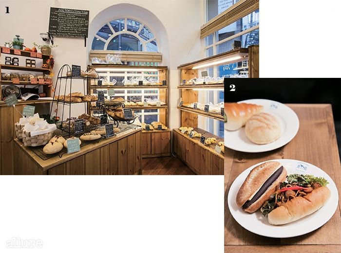1 수십 종류의 빵이 선택을 기다린다.2 소라빵, 멜론빵, 단팥크림치즈빵, 그리고야키소바빵.