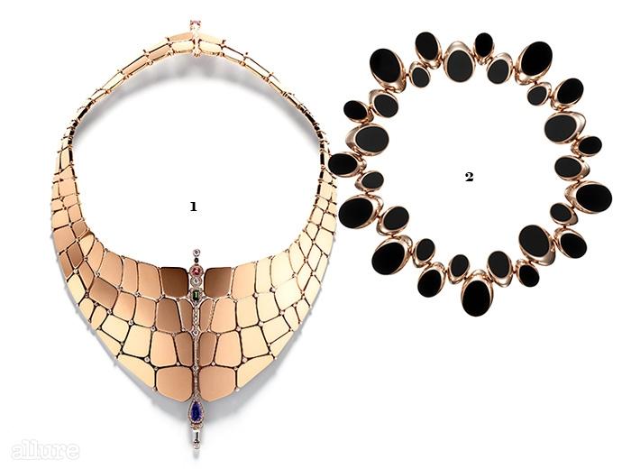 1악어가죽을 형상화한니로티쿠스 네크리스.112개의 조각과 289개의다이아몬드로 이루어져 있다. 2말발굽에서영감을 얻은샹 당크르 빠스헬컬렉션 네크리스.