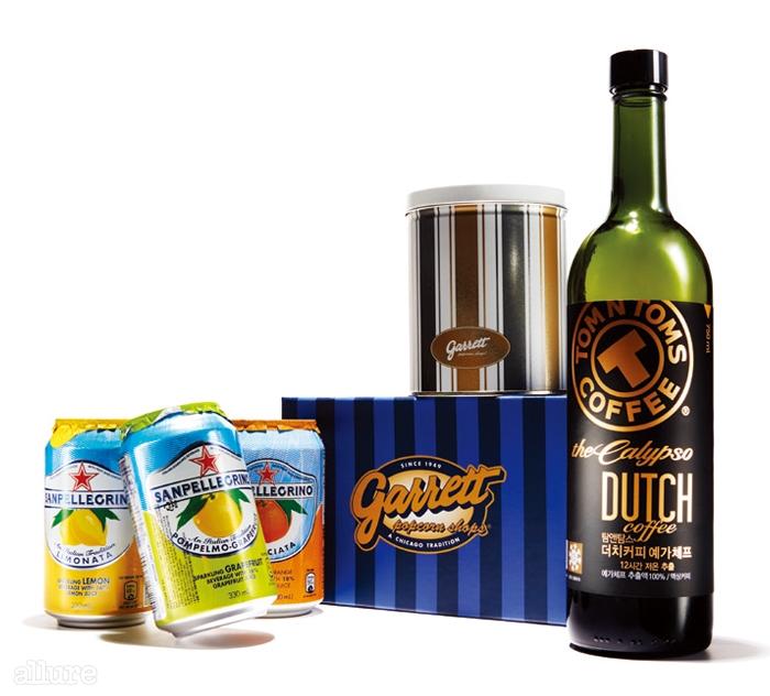 산펠레그리노의 탄산음료, 가렛 팝콘의 플래티넘 틴,그리고 탐앤탐스의 더치 커피.