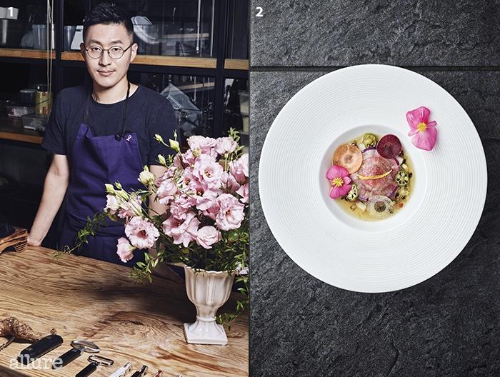1 '서울 미식가'들과 해외셰프들로부터 열광적인 지지를받고 있는 강민구 셰프. 정작 그는우직하게 요리를 할 뿐이다. '서로다른 음식이 가장 잘 어우러진다'는밍글스의 이름 그대로. 2사찰식 라비올리
