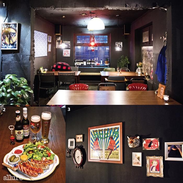 1 주인의 취향이 곳곳에 스며 있는로카. 2 맥주와 소시지는 언제나좋은 짝이다. 3 벽에 걸린 소품을구경하는 재미가 쏠쏠하다.