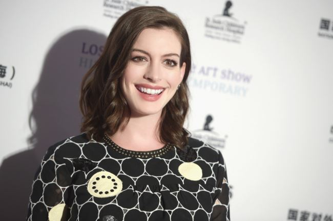 LOS ANGELES, CA - JANUARY 27:  Actress Anne Hathaway attends the LA Art Show and Los Angeles Fine Art Show's 2016 opening night premiere party benefiting St. Jude Children's Research Hospital at Los Angeles Convention Center on January 27, 2016 in Los Angeles, California.  (Photo by Jason Kempin/Getty Images)