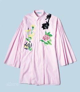 면 소재 롱 셔츠는 1백38만원, 블루마린(Blumarine).