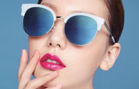 입술색과 선글라스 4