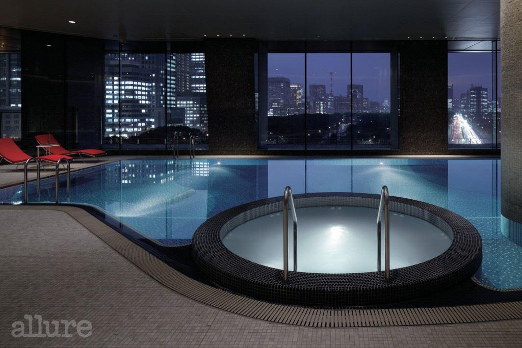 Palace Hotel Tokyo - Swimming Pool - II