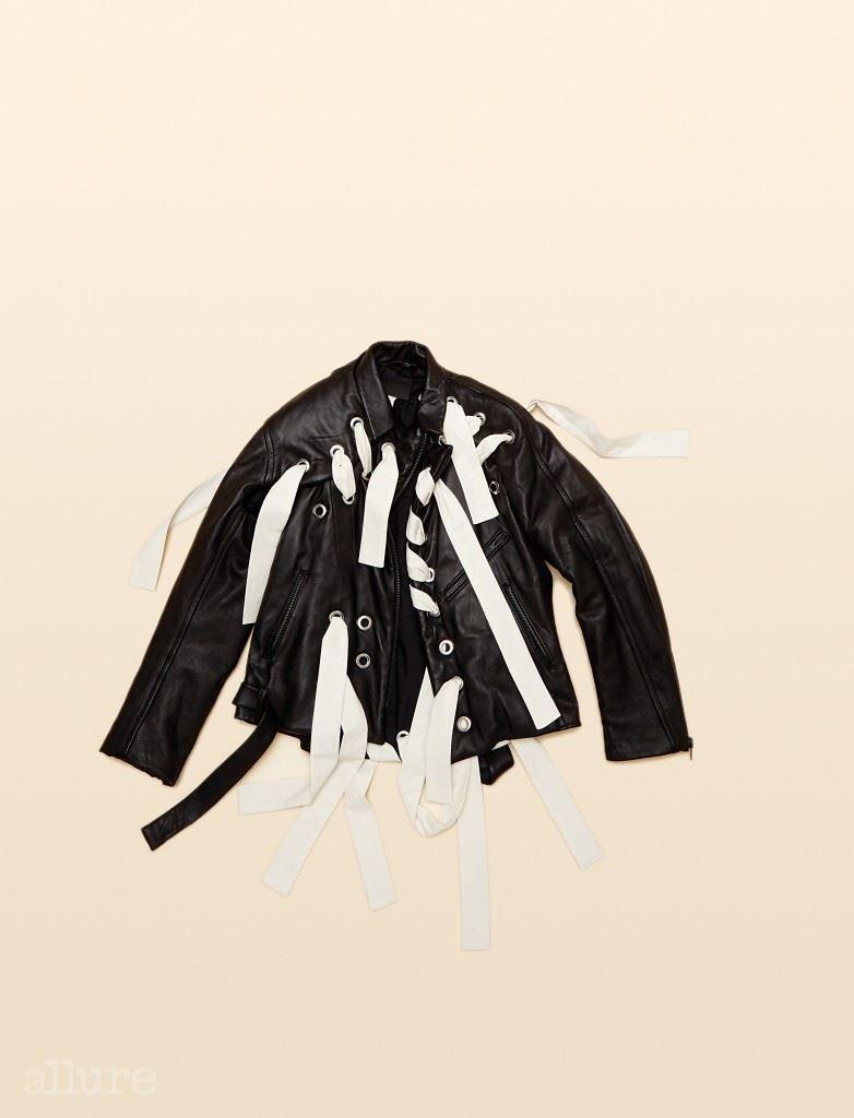 양가죽 소재 라이더 재킷은 가격미정, 크레이그 그린 바이 분더샵(Craig Green by Boon the Shop).