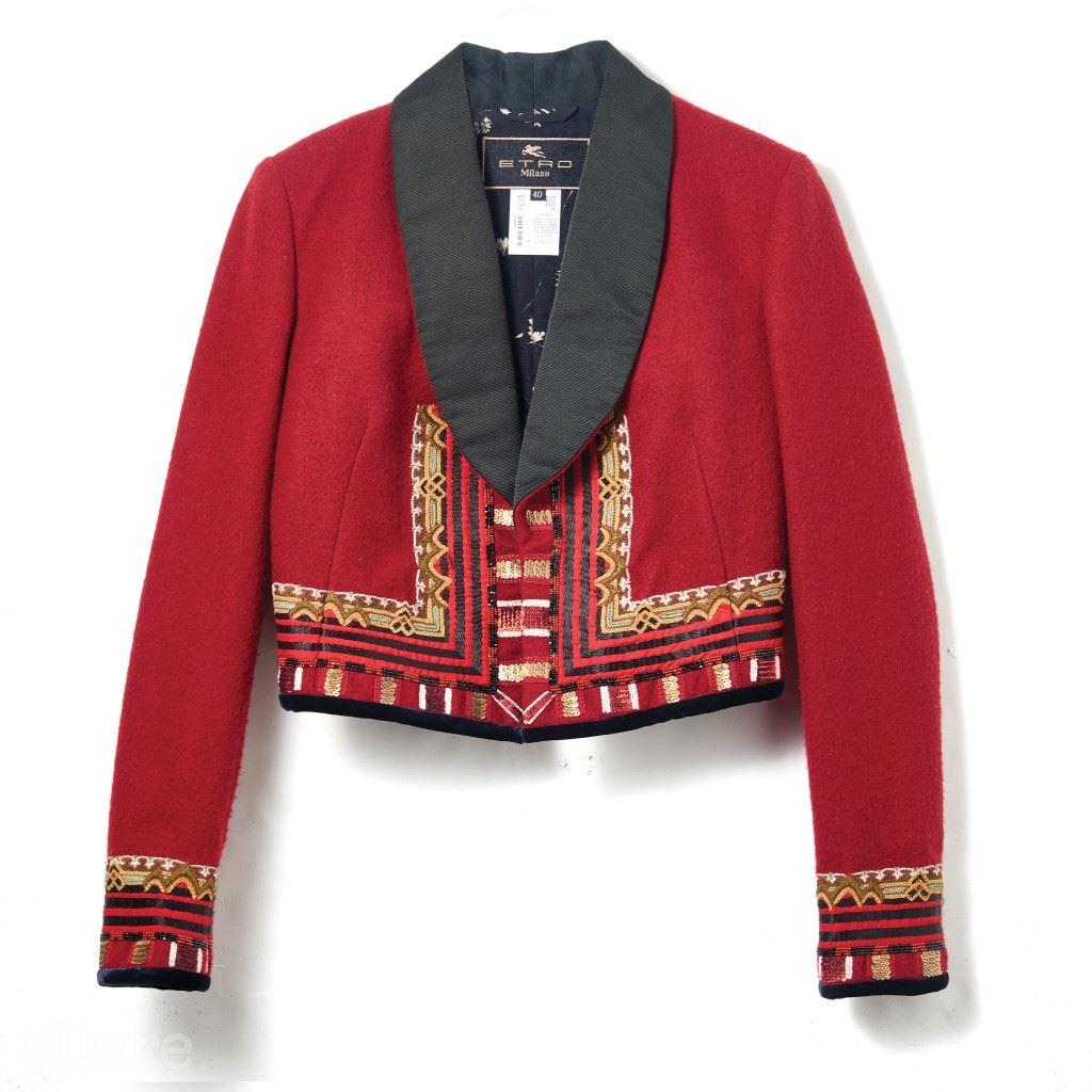 울 소재 재킷은 5백98만원, 에트로(Etro).
