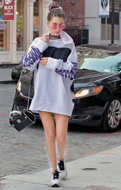 Bella Hadid seen arriving at sister Gigi's apartment in NOHO after walking at Marc Jacob's Fashion Show in New York City.  Pictured: Bella Hadid Ref: SPL1355406  150916   Picture by: srpp/ Splash News  Splash News and Pictures Los Angeles:	310-821-2666 New York:	212-619-2666 London:	870-934-2666 photodesk@splashnews.com