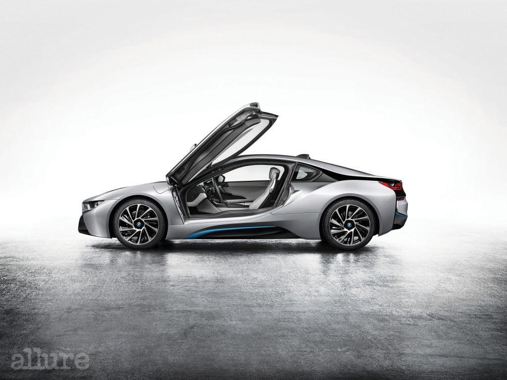 BMW i8 걸윙도어 (1)