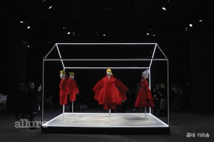 "PARIS, FRANCE - MARCH 06:  A general view of Comme Des Garcons dresses and installation during the ""Rei Kawakubo Comme Des Garcons Art Of The In-Between"" Presentation as part of the Paris Fashion Week Womenswear Fall/Winter 2017/2018 on March 6, 2017 in Paris, France.  (Photo by Vittorio Zunino Celotto/Getty Images)"
