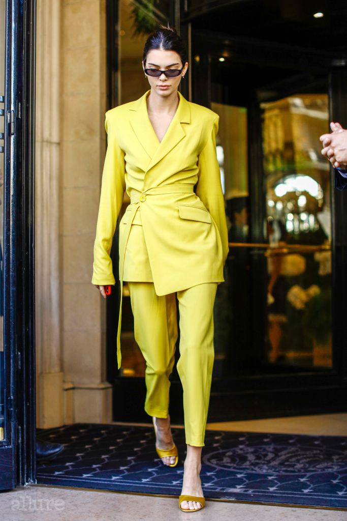 Kendall Jenner is seen on September 26, 2018 in Paris, France. Pictured: Kendall Jenner Ref: SPL5027755 260918 NON-EXCLUSIVE Picture by: SplashNews.com Splash News and Pictures Los Angeles: 310-821-2666 New York: 212-619-2666 London: 0207 644 7656 Milan: 02 4399 8577 photodesk@splashnews.com World Rights, No Argentina Rights, No Belgium Rights, No Czechia Rights, No Finland Rights, No France Rights, No Germany Rights, No Italy Rights, No Mexico Rights, No Norway Rights, No Peru Rights, No Portugal Rights, No Spain Rights, No Sweden Rights, No Switzerland Rights, No United Kingdom Rights