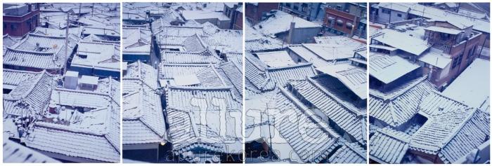1994년 12월, 길음동 | 변화하는 서울을 사진과 비디오로 기록하기 위해 지금은 아파트가 들어선 길음동 한옥 마을에 들어가 산 적이 있다. 매일 창밖으로 보이던, 그러나 다시는 볼 수 없는 풍경들. - 안세권(미디어작가)