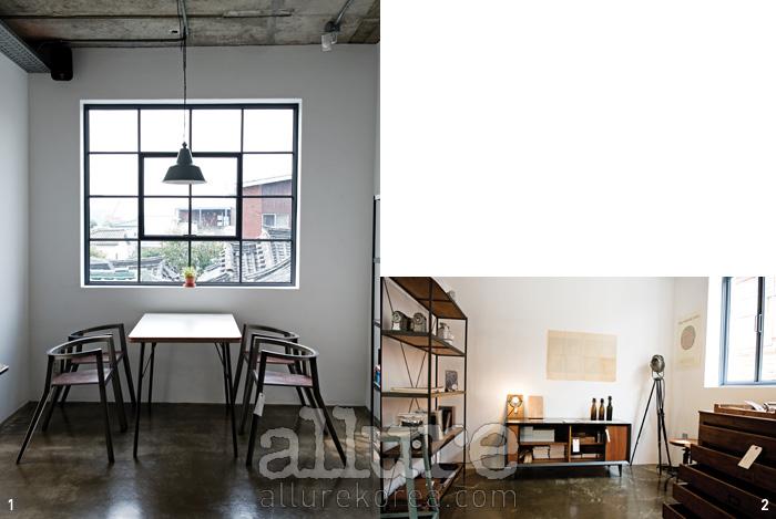 1 따뜻한 햇살이 쏟아지는 큰 창과 잘 어우러지는 디인더스트리의 가구들.2 가구는 물론 리빙 제품과 문구 제품도 다양하게 구비되어 있다.