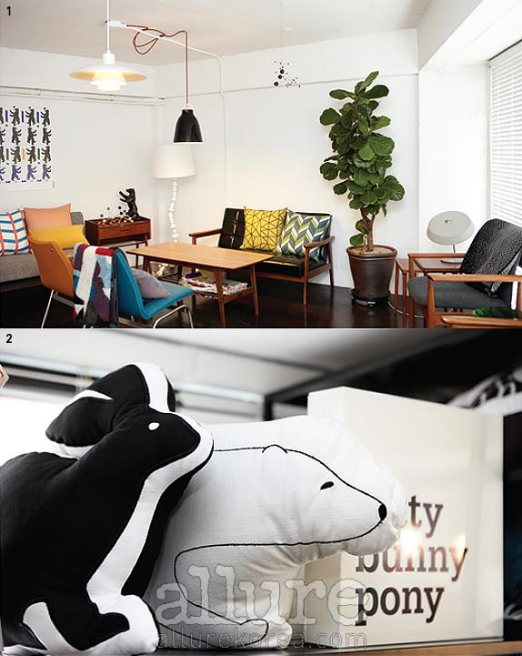 1. 스칸디나비아 가구와 키티버니포니의 제품들이 진열된 쇼룸.2. 키티버니포니 특유의 발랄한 디자인이 돋보이는 쿠션 제품들.
