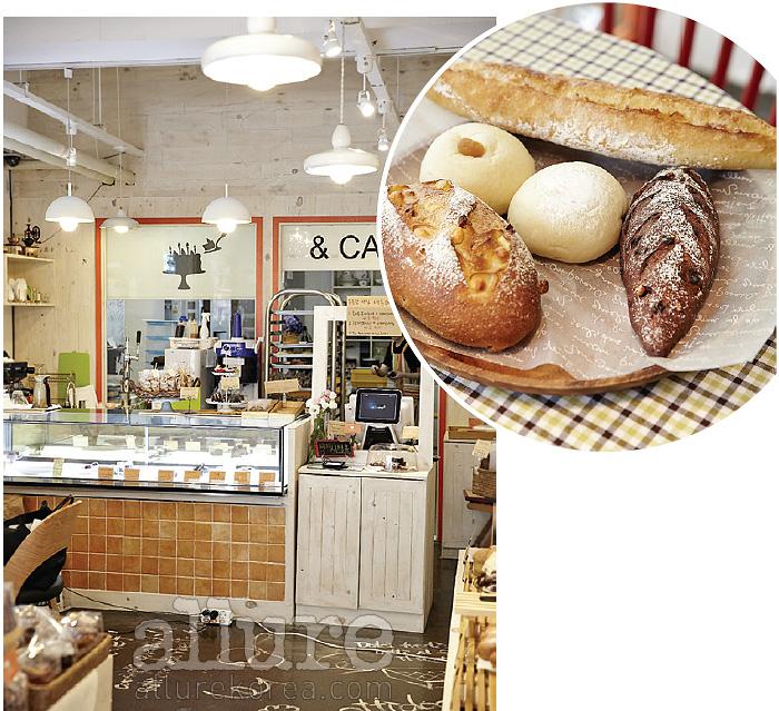 디저트 카페 라비앙봉봉을 이끌었던 쌍둥이 자매가 차린 빵집, 플라워앤. 흰빵, 하드롤, 무스케이크 증 제법 다양한 빵을 맛볼 수 있다.