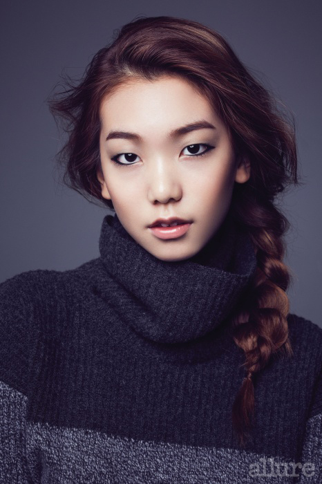 스웨터는 카이아크만(Kai-aakmann)