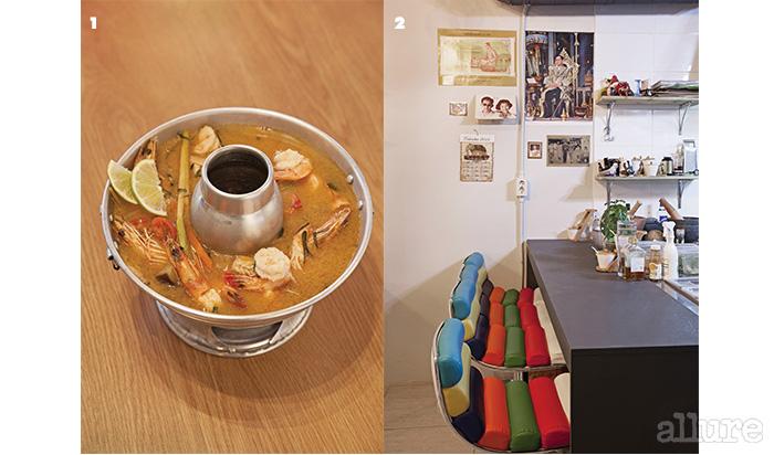 1 카피르라임 잎의 향이 향긋한 똠얌꿍 2 방콕의 교통수단, '툭툭'의 시트를 닮은 의자