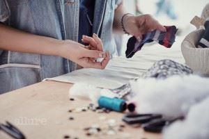 래코드에서는 버리는 양말을 이용해 인형을 만드는 클래스를 연다. 해나는 이를 응용해 뼈다귀 형태의 장난감을 만들었다.