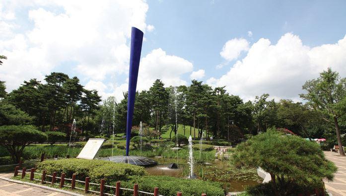 효창공원 기념비