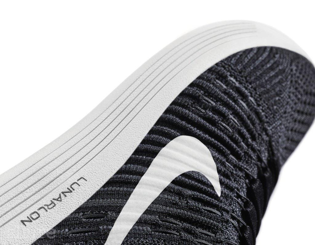 플라이니트의 짜임과 방향을 발바닥 아치, 발꿈치, 전족부 모두 다르게 적용해 발을 전체적으로 감싸는 느낌을 준다. 플라이와이어 케이블은 발을 보다 자유롭게 움직이도록 돕는다.