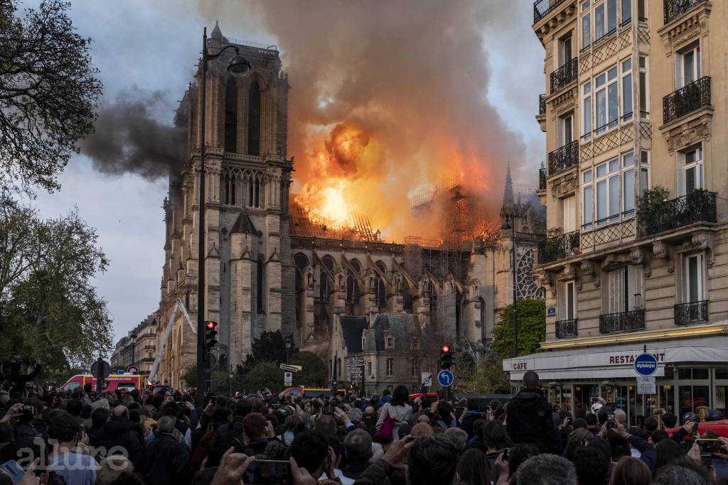 Firefighters battle to extinguish a giant fire that engulfed the Notre Dame Cathedral in Paris, France.  A huge fire swept through the roof of the famed Notre-Dame Cathedral in the French capital, sending flames and huge clouds of grey smoke billowing into the sky. The flames and smoke plumed from the spire and roof of the gothic cathedral, visited by millions of people a year.  Photo by Samuel Boivin/ABACAPRESS.COM Pictured: GV,General View Ref: SPL5080293 150419 NON-EXCLUSIVE Picture by: Samuel Boivin/AbacaPress / SplashNews.com Splash News and Pictures Los Angeles: 310-821-2666 New York: 212-619-2666 London: 0207 644 7656 Milan: 02 4399 8577 photodesk@splashnews.com United Arab Emirates Rights, Australia Rights, Bahrain Rights, Canada Rights, Finland Rights, Greece Rights, India Rights, Israel Rights, South Korea Rights, New Zealand Rights, Qatar Rights, Saudi Arabia Rights, Singapore Rights, Thailand Rights, Taiwan Rights, United Kingdom Rights, United States of America Rights