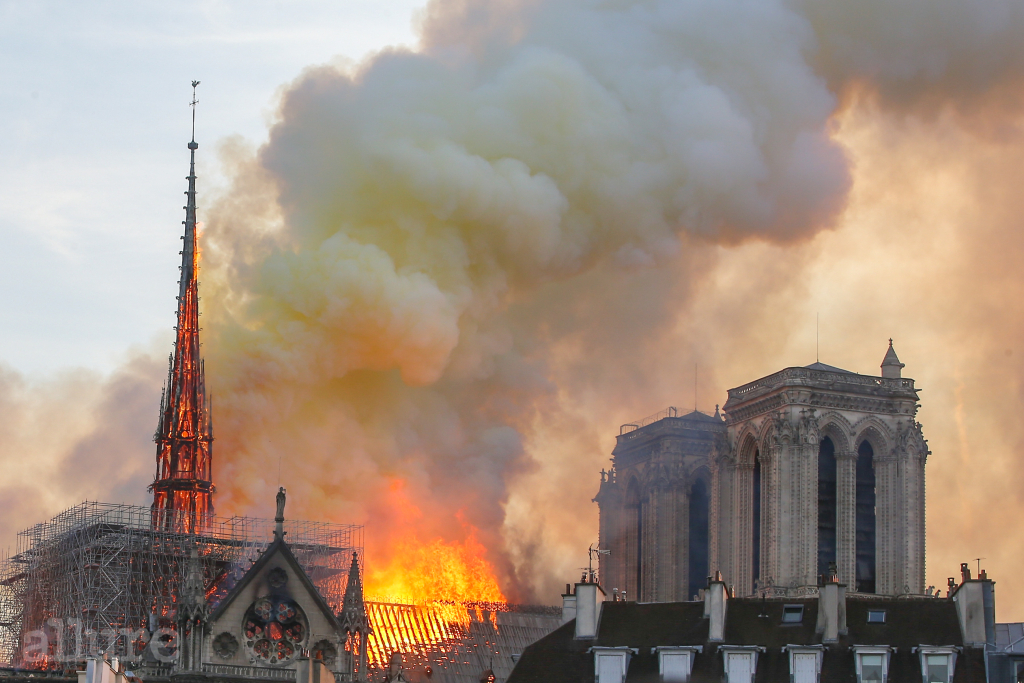 Firefighters battle to extinguish a giant fire that engulfed the Notre Dame Cathedral in Paris, France on April 15, 2019. A huge fire swept through the roof of the famed Notre-Dame Cathedral in the French capital, sending flames and huge clouds of grey smoke billowing into the sky. The flames and smoke plumed from the spire and roof of the gothic cathedral, visited by millions of people a year. Pictured: Cath?drale Notre-Dame de Paris Ref: SPL5080277 150419 NON-EXCLUSIVE Picture by: SplashNews.com Splash News and Pictures Los Angeles: 310-821-2666 New York: 212-619-2666 London: 0207 644 7656 Milan: 02 4399 8577 photodesk@splashnews.com World Rights, No Argentina Rights, No Belgium Rights, No Czechia Rights, No Finland Rights, No France Rights, No Germany Rights, No Italy Rights, No Mexico Rights, No Norway Rights, No Peru Rights, No Portugal Rights, No Spain Rights, No Switzerland Rights, No United Kingdom Rights